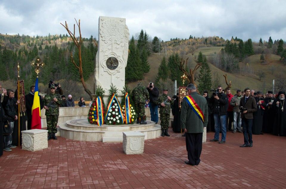 INAUGURARE MONUMENT EMIL REBREANU
